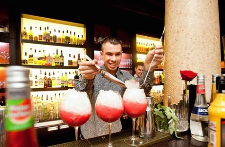 How to Get Quick Service at Bar