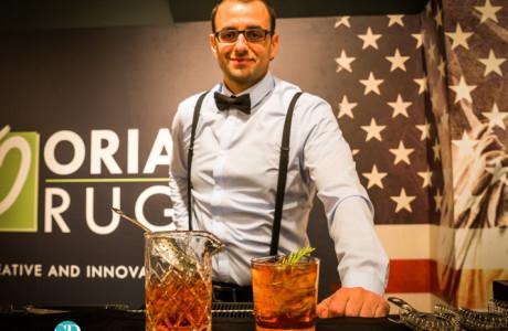 mixologist bartender
